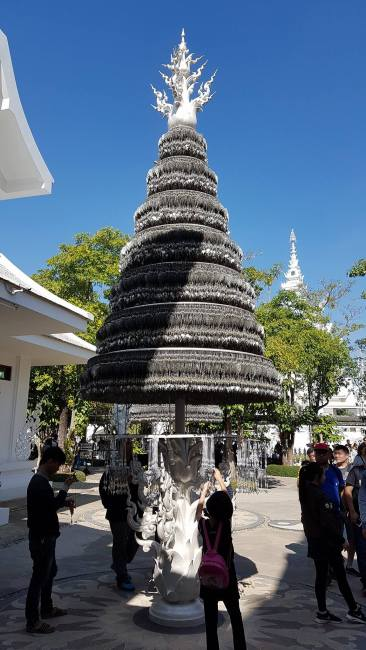 The christmastree at the white temple