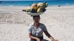 Ngapali - The fruit lady